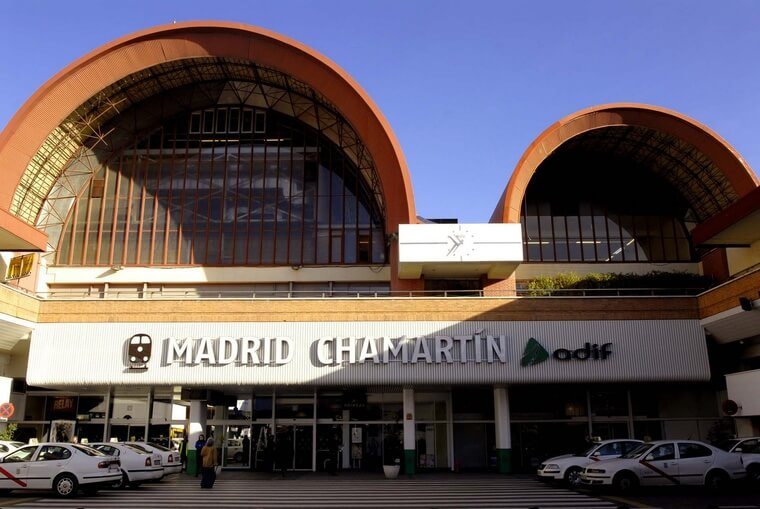 Store your luggage near Chamartin Train Station
